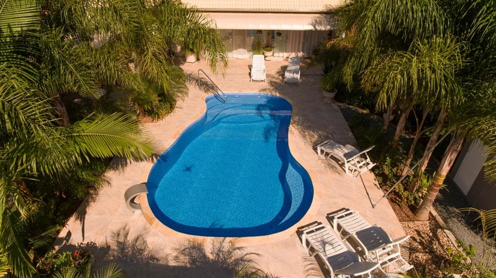 How To Maintain A Vinyl Swimming Pool